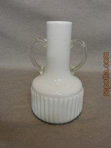 spierwitte glazen vaas met grepen